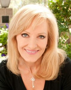 Las Vegas Motivational Keynote Speaker Robin Jay: Business Relationship & Sales Expert, Best Selling Author, Filmmaker